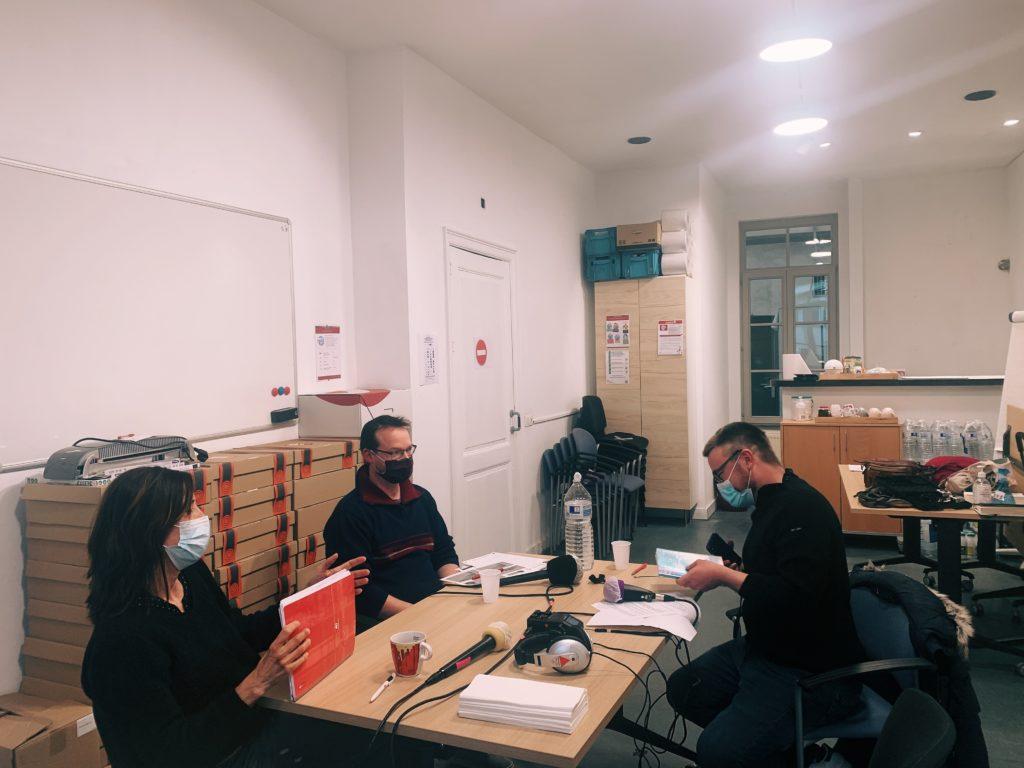 Enregistrement d'un podcast chez Lire et Écrire par Factum lab à Bruxelles