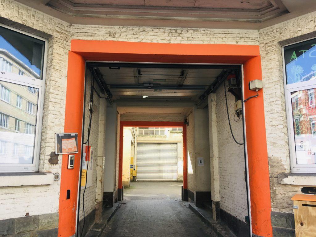 La porte d'entrée de Maxima le nouveau tiers-lieu de Communa à Bruxelles
