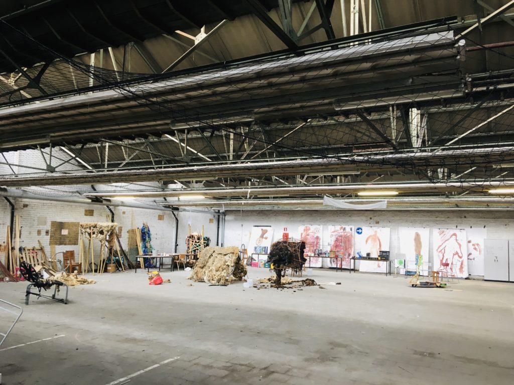 L'intérieur de la verrière de Maxima nouveau tiers-lieu de l'asbl Communa à Bruxelles